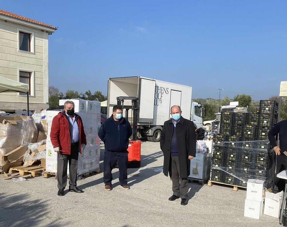Διανομή τροφίμων στο Δημαρχείο Κονταριώτισσας για τους ωφελούμενους ΤΕΒΑ