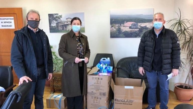 Δωρεά υγειονομικού υλικού στις σχολικές μονάδες Α'θμιας Εκπαίδευσης του Δήμου Δίου-Ολύμπου από τον Σ.Ε.Η.Π. και την EUROLAMP