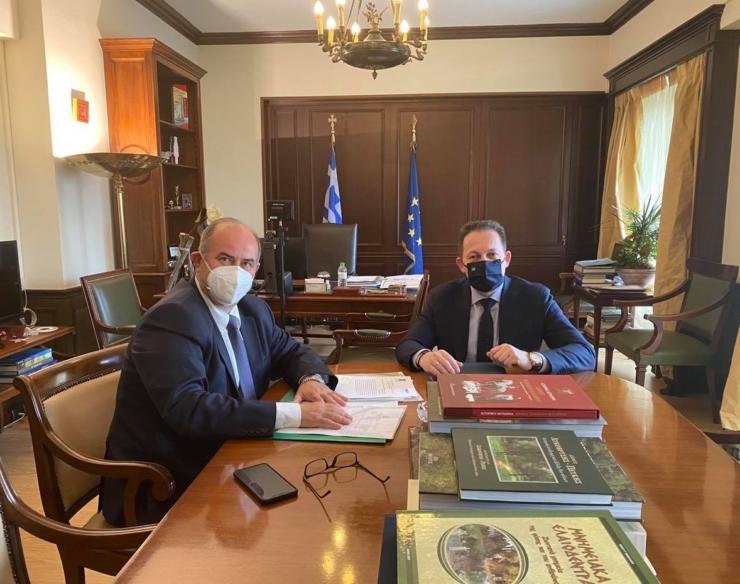 Συνάντηση του Δημάρχου Βαγγέλη Γερολιόλιου με τον Αν. Υπουργό Εσωτερικών Στέλιο Πέτσα