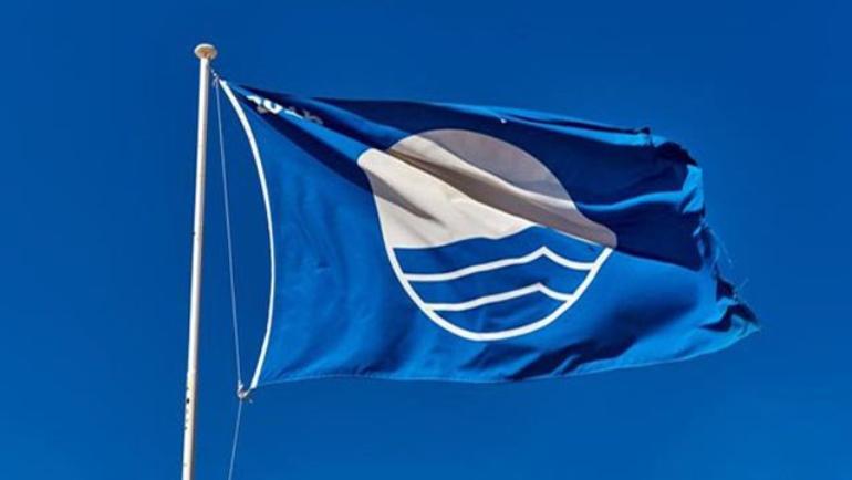Οι «Γαλάζιες Σημαίες» επέστρεψαν στις ακτές του Δήμου Δίου-Ολύμπου