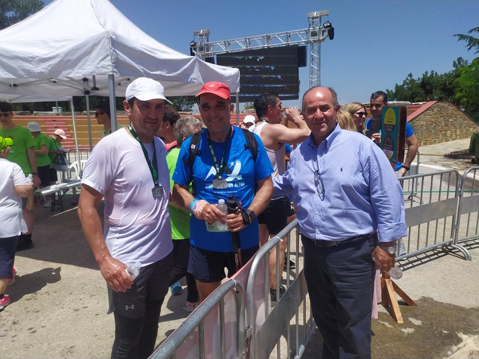 Ο υφυπουργός Αθλητισμού Λευτέρης Αυγενάκης στον αγώνα ορεινού τρεξίματος «Στην Κόψη των Αετών» του αθλητικού τριημέρου «Olympus Marathon»