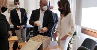 Επίσκεψη της Προέδρου της Επιτροπής «Ελλάδα 2021» στον Δήμο Δίου-Ολύμπου